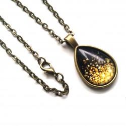 Kropla złoto-czarnego piasku